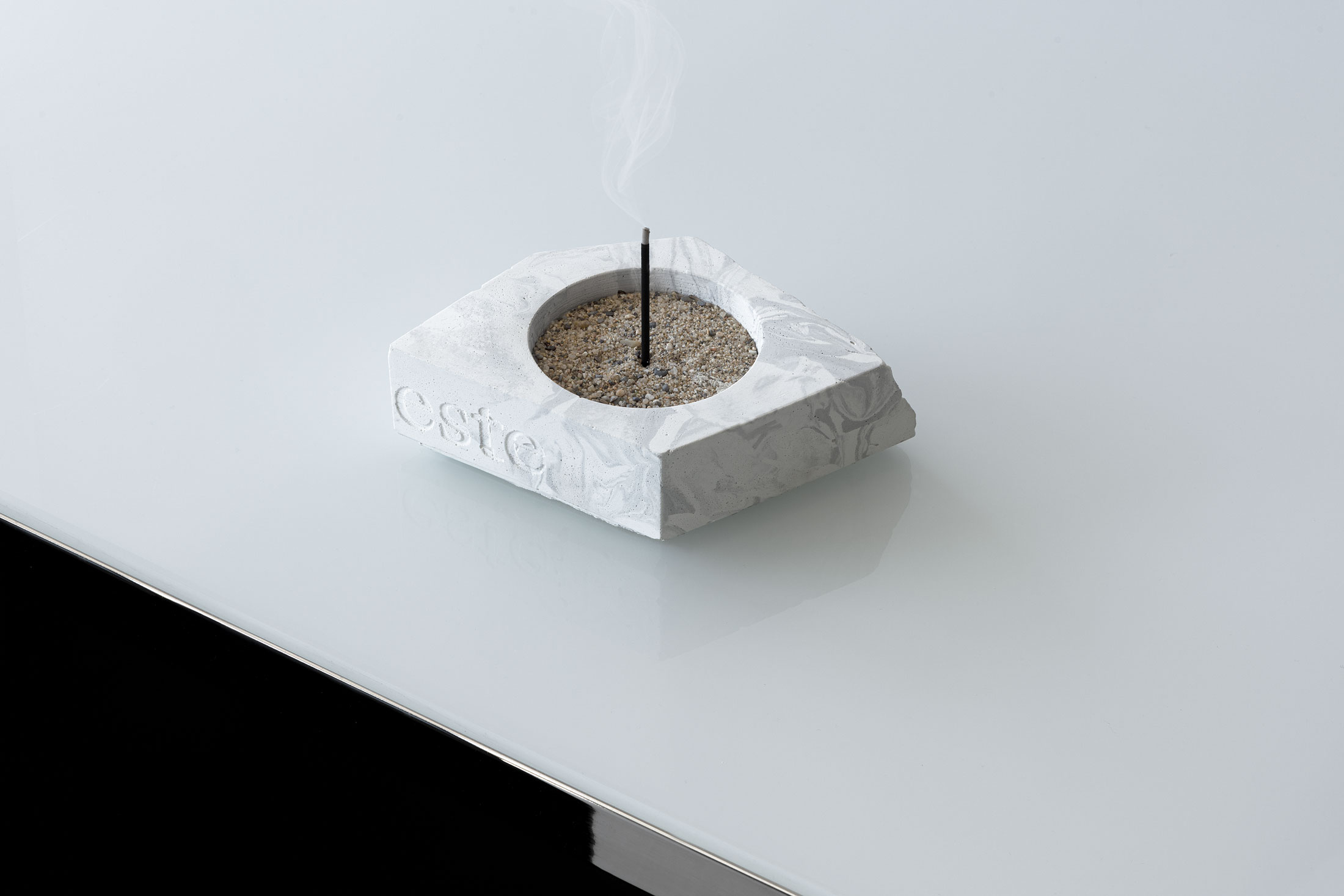candle-concrete-recycled