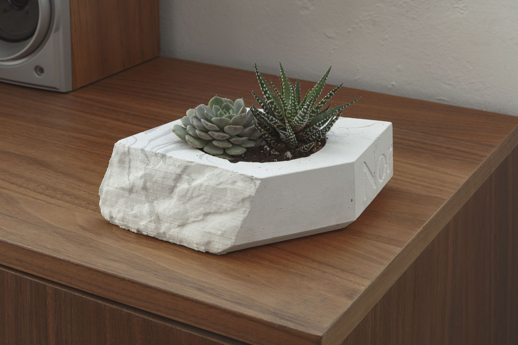 recycled-candle-concrete
